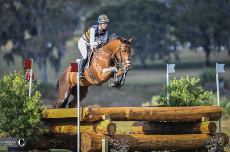 Hunter knees for Lauren Kieffer and D.A. Duras at Ocala.